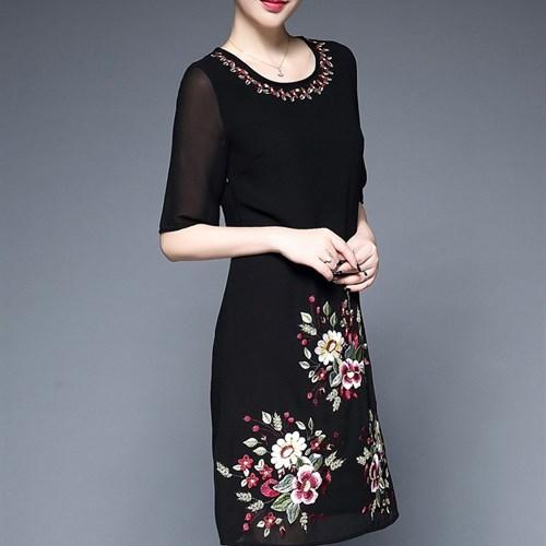 Đầm voan thêu hoa JS5759