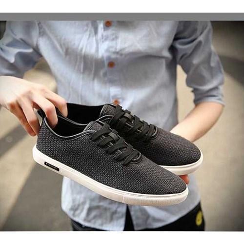 Giày vải nam USY (Màu đen size 40)