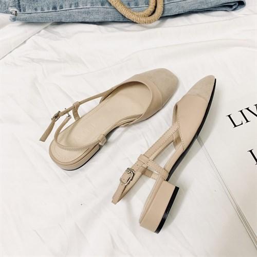 Giày sandal nữ gót vuông đế bệt Vancassie - Màu be