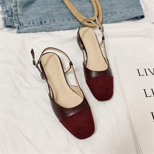 Giày sandal nữ gót vuông đế bệt Vancassie - Vang đỏ