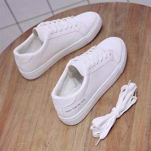 Giày nữ màu trắng Niont Time My Time
